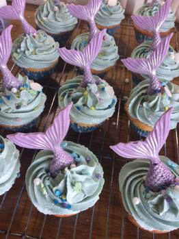 Zoe Sadler Mermaid cupcakes
