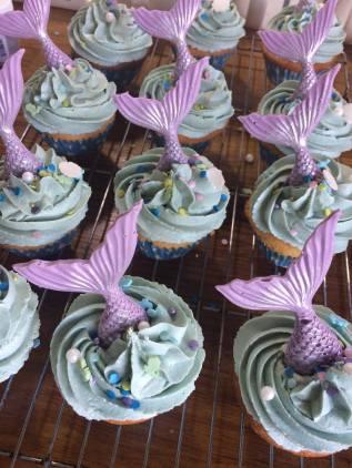 Zoe Sadler Mermaid cupcakes